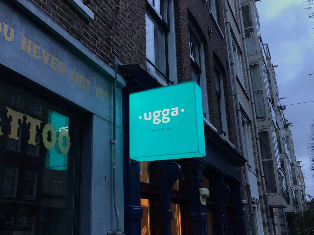 Lichtbak met reclame van Herkenbaar.nl